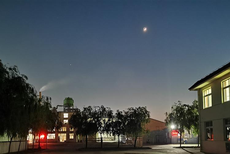 厂区夜景一角